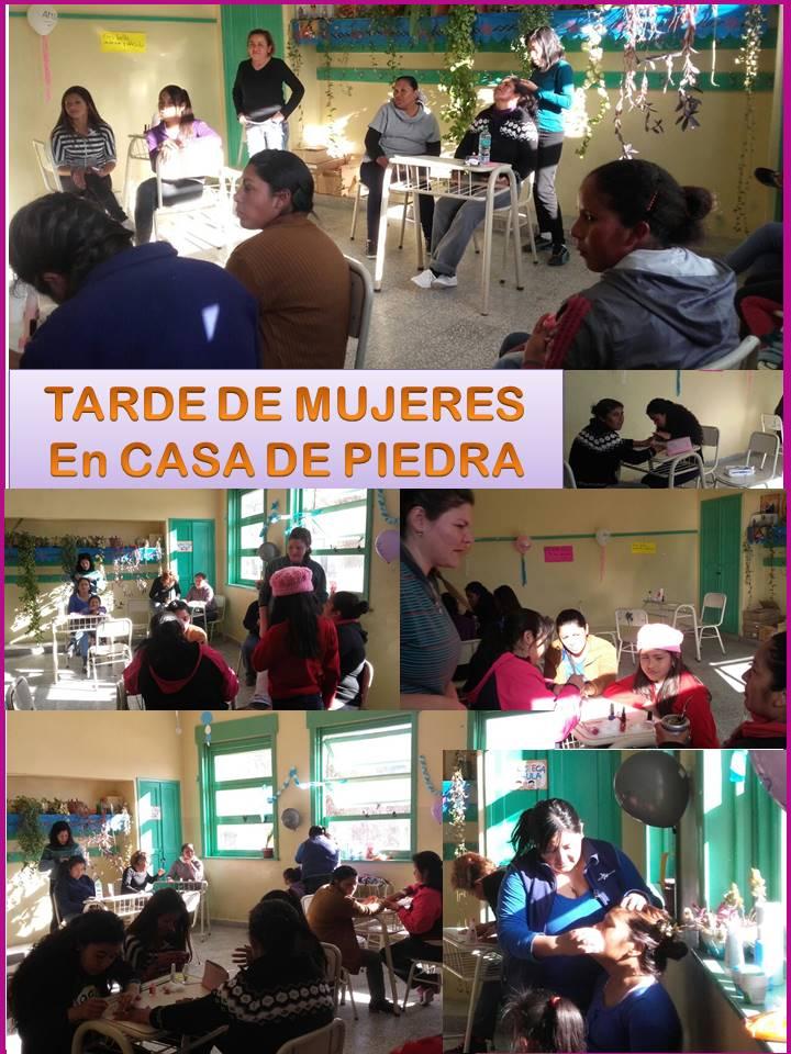 MUJERES EN CASA DE PIEDRA